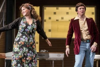 Tara Erraught (Rosina) i Gavan Ring (Figaro) Fotografies gentilesa de la pàgina web de Wide Open Opera