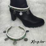 pulsera botas monedas blanco y etnico verde muestra