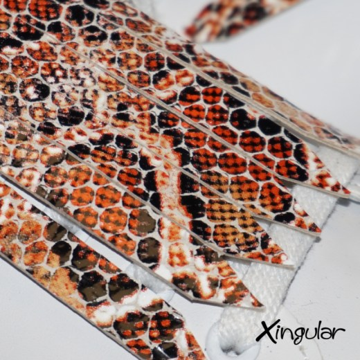 flecos zapatillas serpiente mostaza detalle