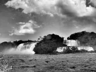 laguna_canaima_cascadas