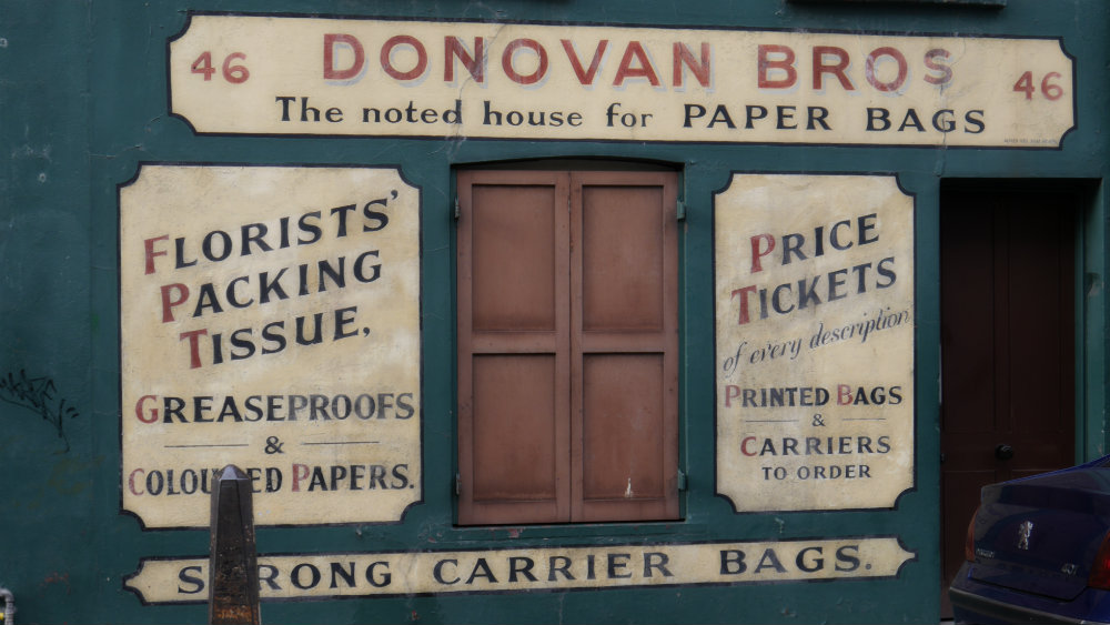 Donovan Paper Bags - Local irlandés antiguo en el East End