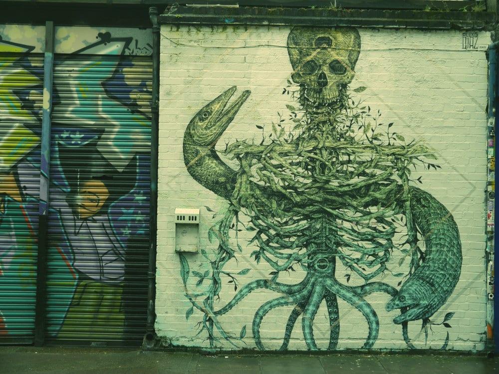 Esqueleto graffiti Londres East End