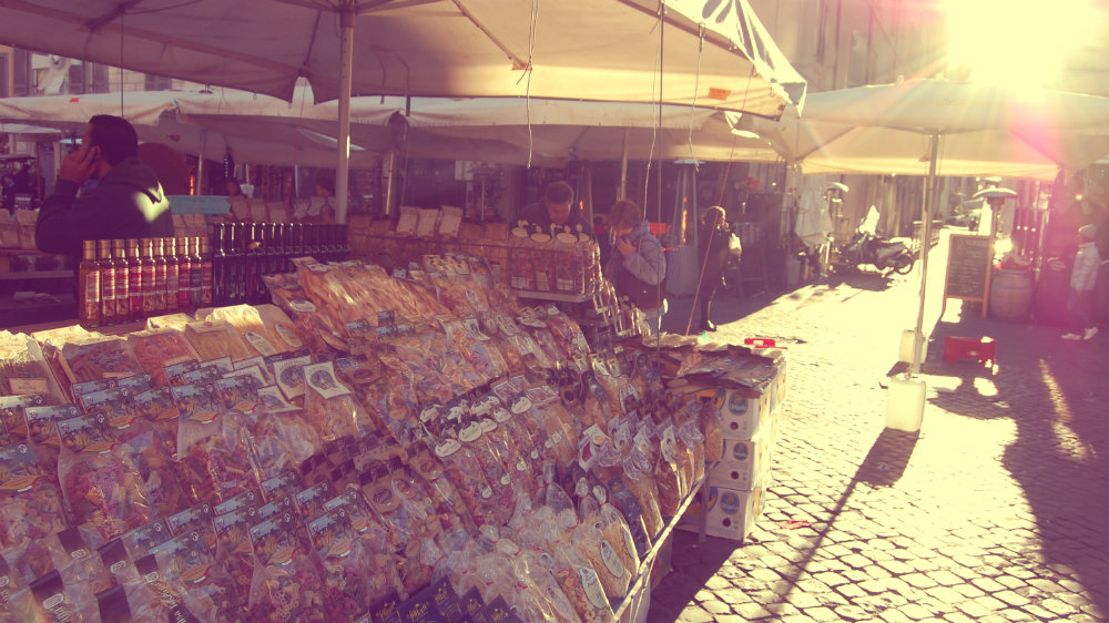 Alojarse en Roma - Mercado de Campo dei Fiori