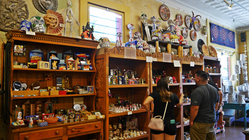 Tienda de curiosidades y antigüedades en South Congress