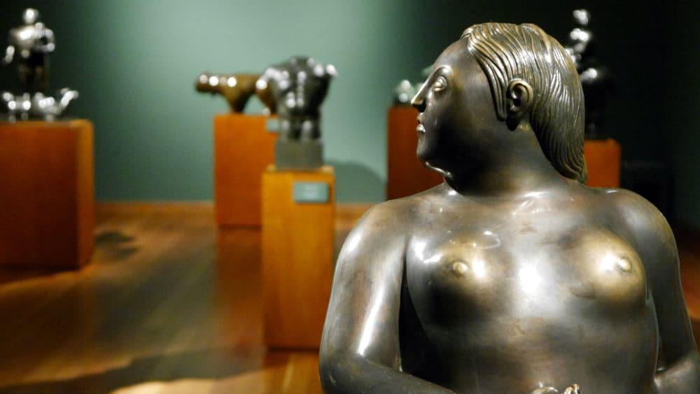 Escultura contemporánea en el Museo Botero de Bogotá