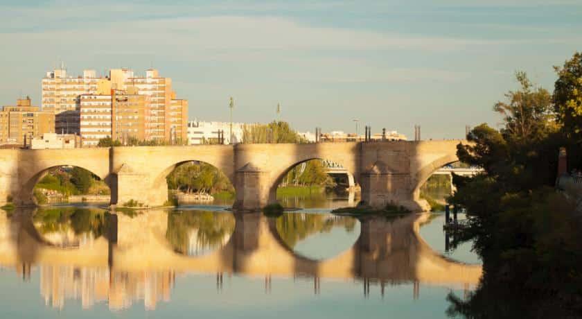 Mejores barrios donde alojarse en Zaragoza - Arrabal