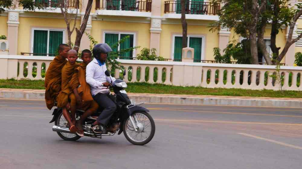 Moverse en Camboya en moto