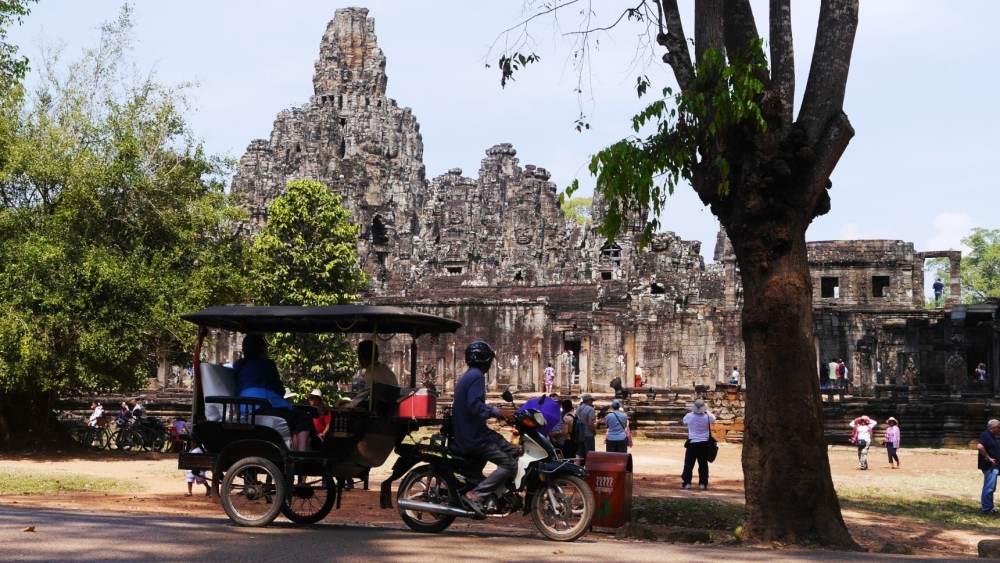 Moverse por Camboya - Tuk-Tuk en Angkor