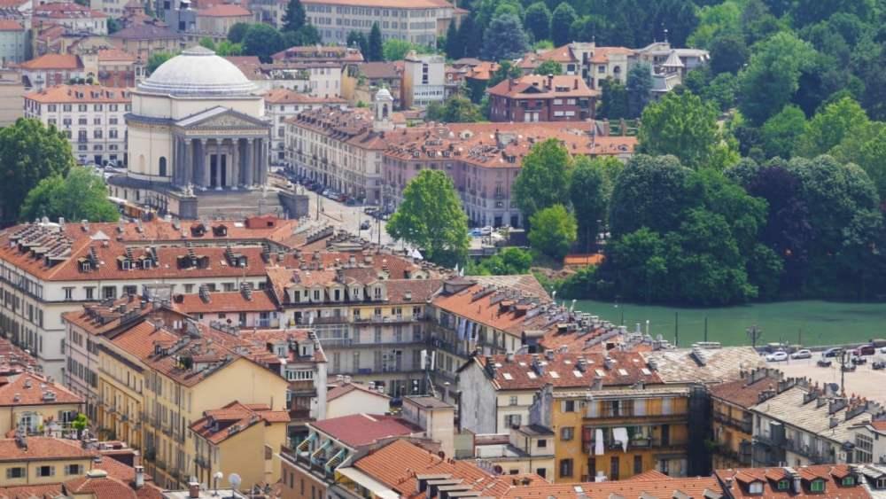 Chiesa de la Gran Madre di Dio y río Po desde el mirador de la Mole Antonelliana