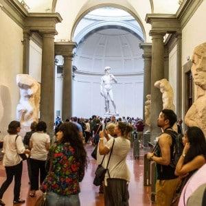 Las colas en Florencia - Galería de la Academia