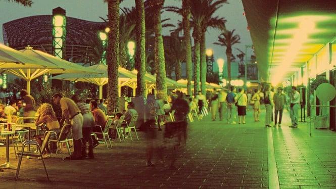 Port Olimpic - Mejores zonas donde alojarse en Barcelona para vida nocturna