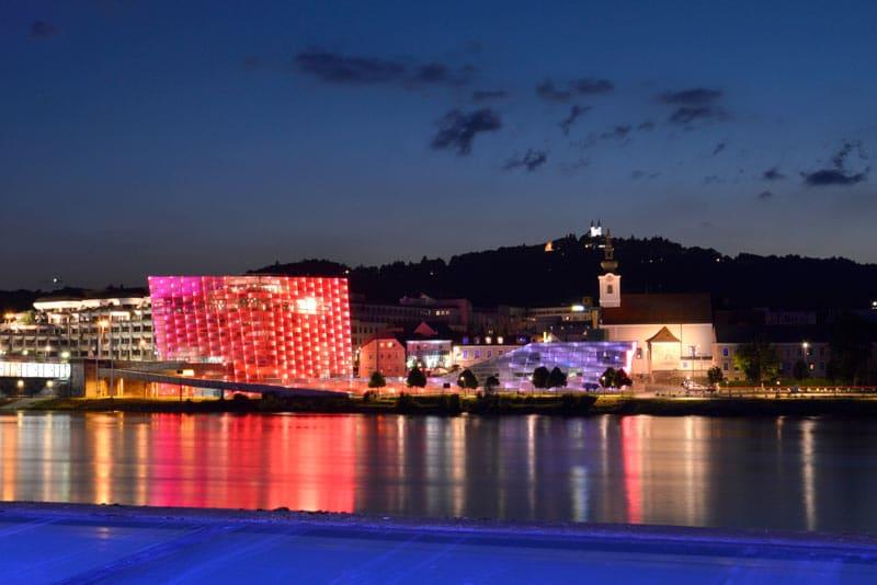 Qué hacer en Linz - Ars Electronica Center   Crédito Imagen: Linz Tourismus