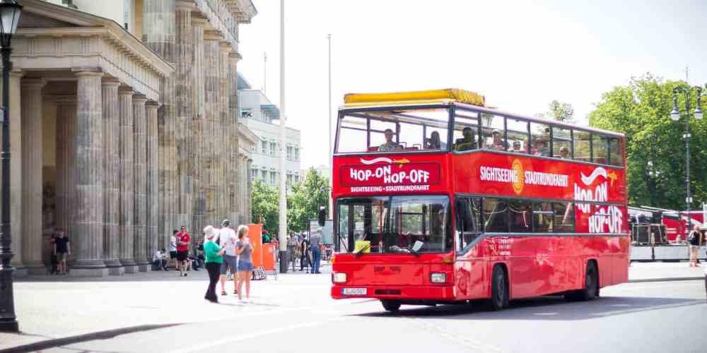 Ticket de autobuses turísticos rojos con audioguía en Español - Tours en Berlín