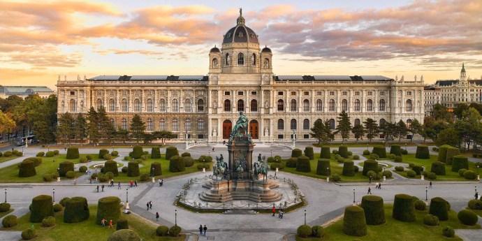 Museo en Maria-Theresien Platz en Viena