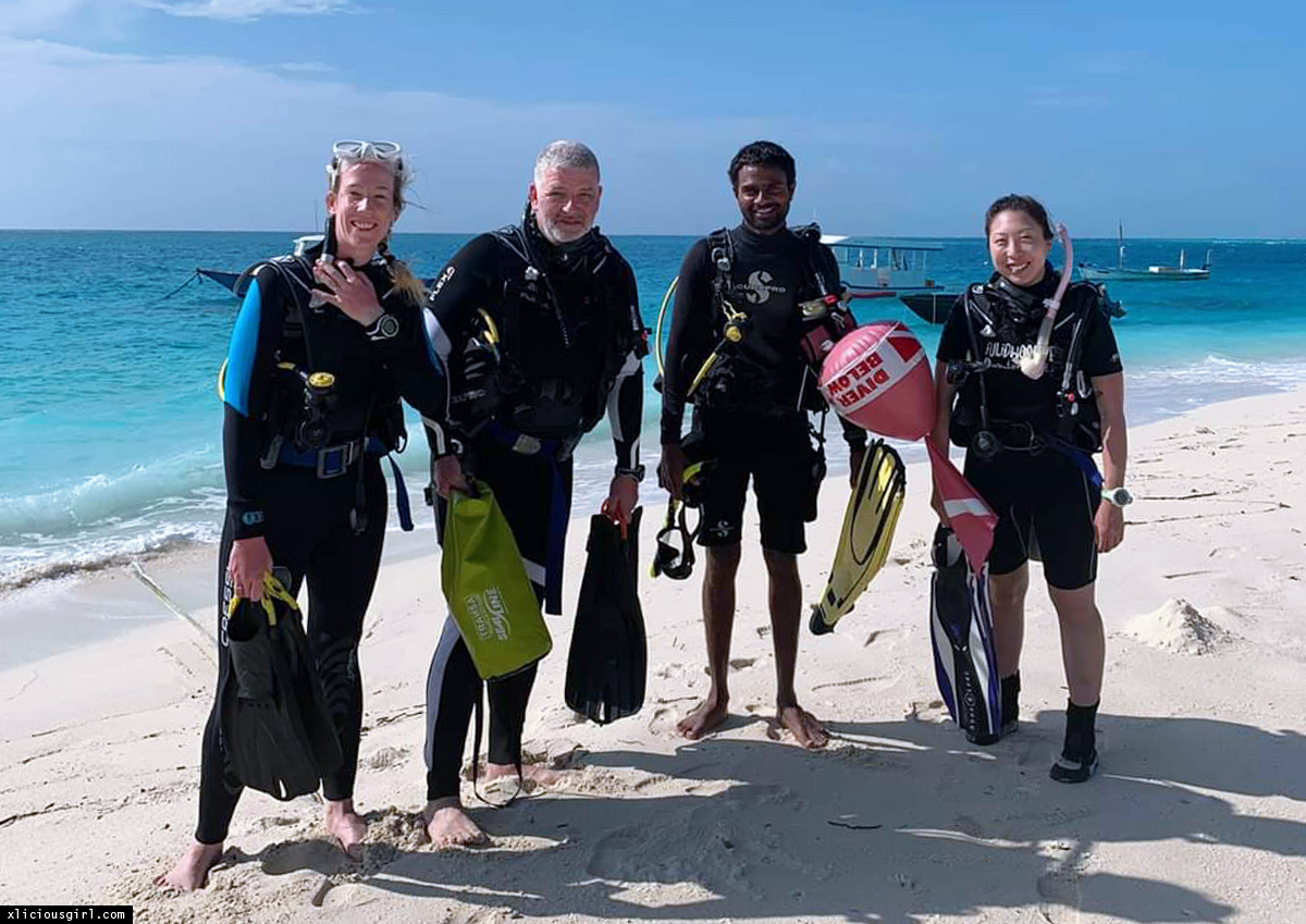 student divers and the teacher