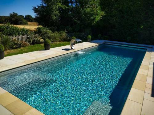 One-piece pool with Water Fountain