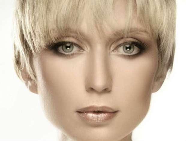 Machiaj pentru ochi verzi si par blond