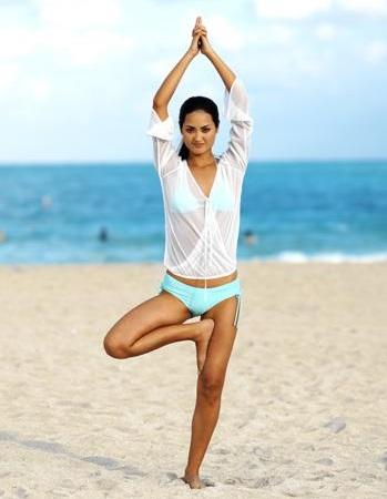 Vrksasana sau Postura Copacului Hatha yoga