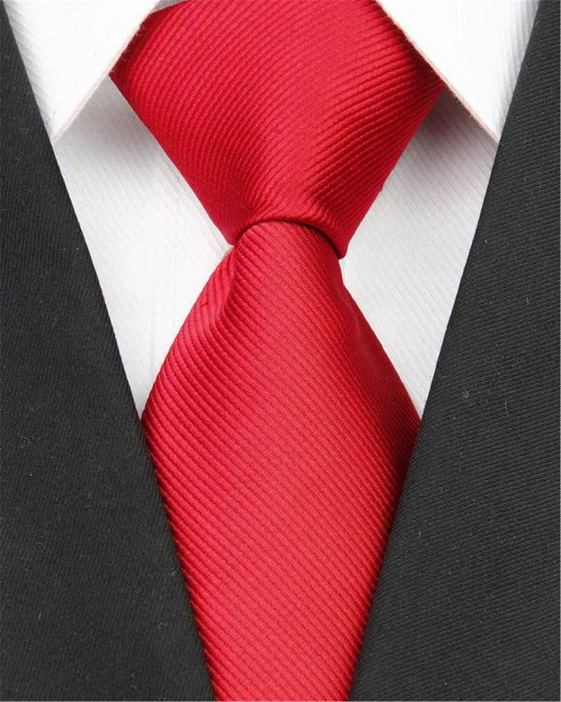 Cravate barbati tipuri clasica rosie