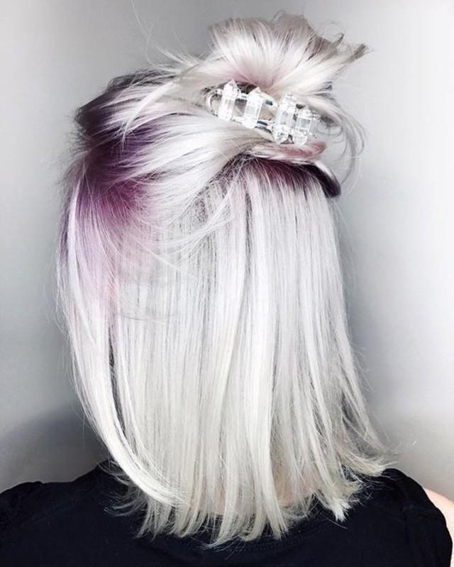 Par blond platinat radacini violet