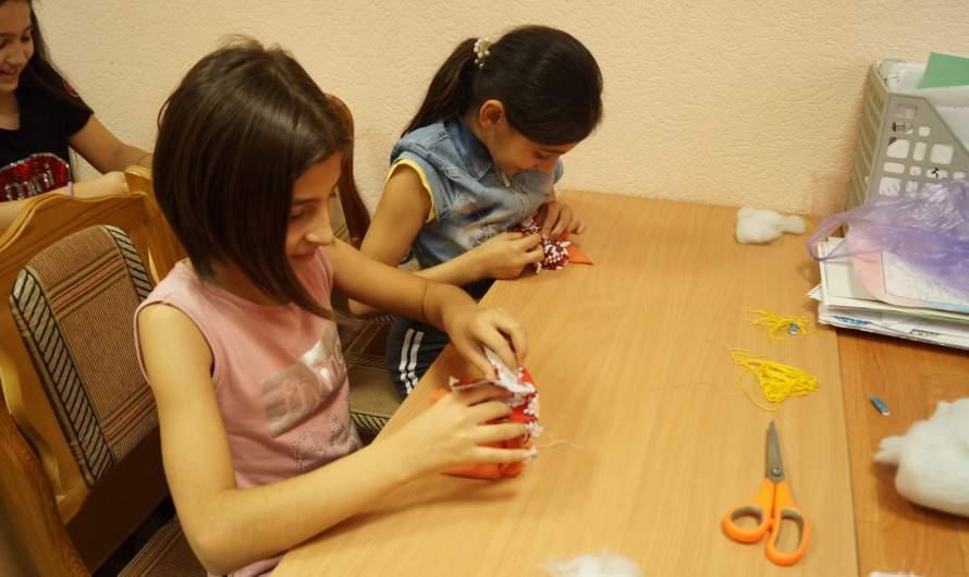 В Союзе армян Алтайского края прошел мастер-класс по изготовлению традиционной народной куклы