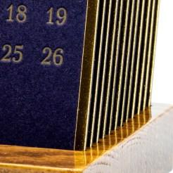 Календарь на деревянной подставке Президент