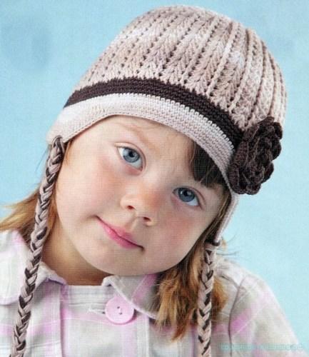 Красивая шапочка крючком для девочки
