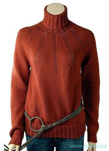 Женский свитер спицами.