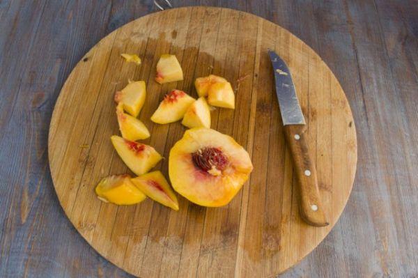 Вкуснейший десерт на зиму - компот из дыни с персиками и шалфеем