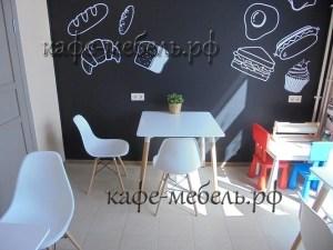 детский уголок в кафе-пекарне
