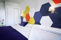 Изголовье кровать и мягкие панели гексагон