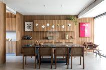 Стеновые панели из реек на кухне