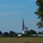 Вид на Троицкую церковь села Тетеринского со стороны дороги на Нерехту