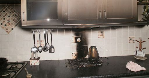 Как избавиться в квартире от запаха гари и дыма