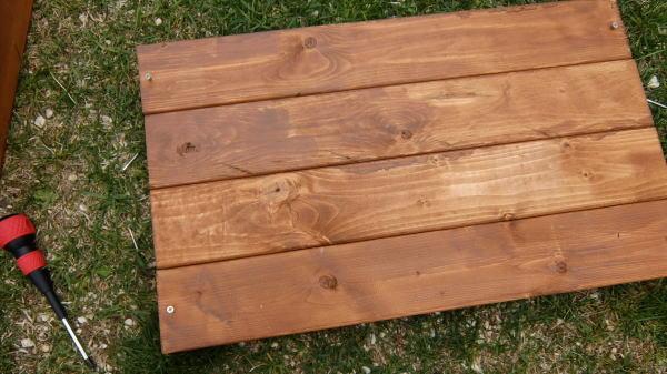 DIY木製コンポストの作り方