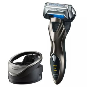 首次體驗輕柔仔細地使用,便能深剃的旋轉式電動刮鬍刀