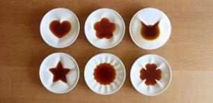 精緻小巧醬油碟~倒入醬油就會浮現像是貓咪或愛心圖案ฅ•ω•ฅ✩