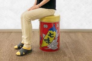 可惜不能吃(笑)八幡屋礒五郎的七味辣椒粉罐大變身☆「椅子罐」