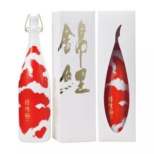 錦鯉自在悠游的姿態~佳評如潮且美麗奪目的日本清酒「錦鯉」一升瓶裝增量問世