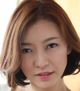 HITOMI(ひとみ / Hitomi)