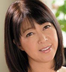 八嶋みどり (やしまみどり / Yashima Midori)