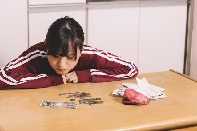 生活保護でお金がないが健康診断を受けたい女性