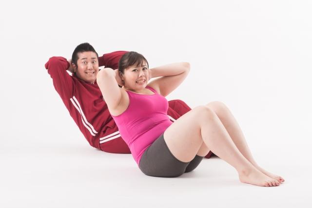 腹筋を割る為に腹筋運動しているSLE患者