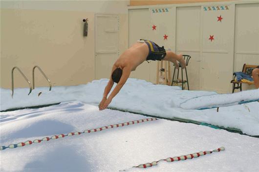 Готовь сани летом, а бассейн зимой!