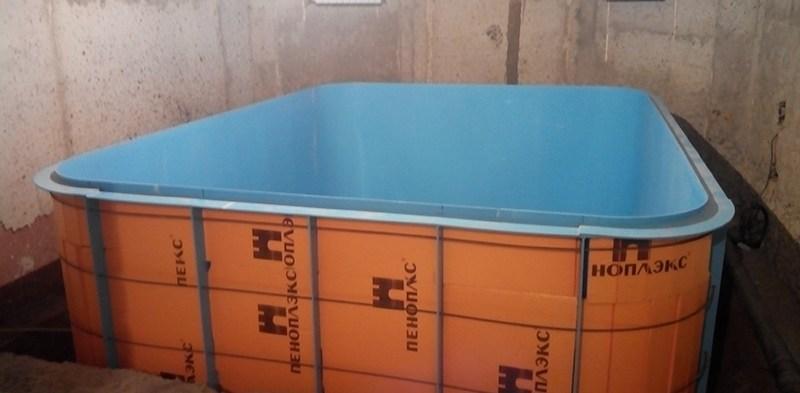 Полипропиленовый бассейн дома
