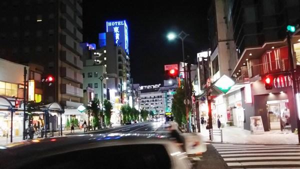 鎌田の夜は選挙演説、キャバの呼び込み、塾帰りの子供、混沌としていました。
