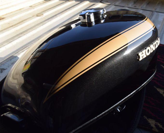 ホンダ CB750K タンク デントリペア! タンク デントリペア 施工後
