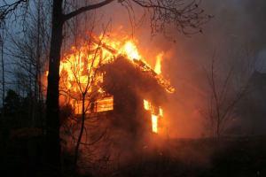 hytte brann