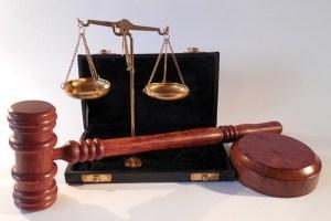 dommer advokat