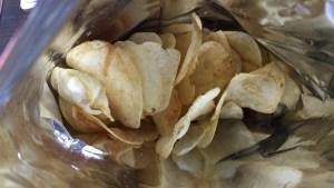 ポテトチップスは湿気に弱い